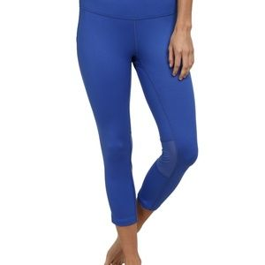 Nike Women's Blue Dri-fit Crop Leggings - M